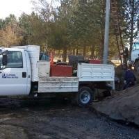 Máquina cargadora rompió caño de gas y tardaron casi un día en emparcharlo